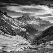 chamonix valley - photo by darko ivancevic